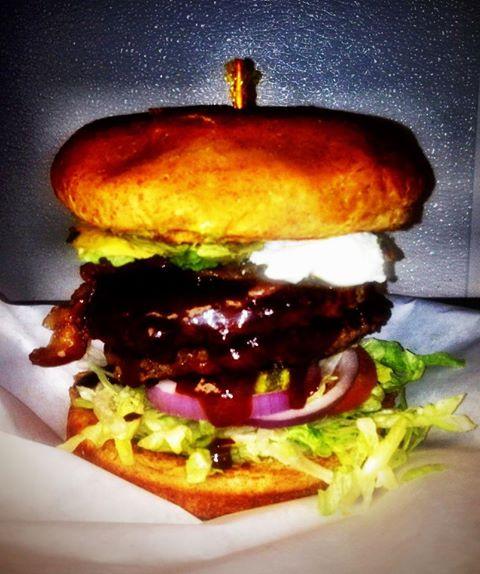 Daddios burger 6
