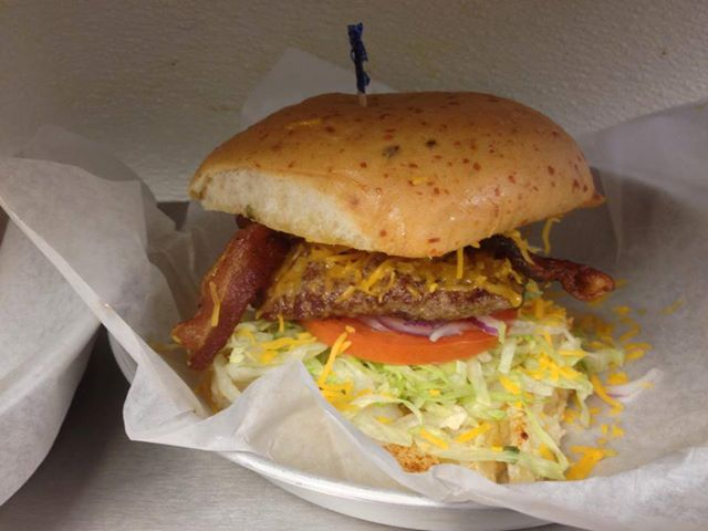 Daddio's Burger Calde Ave Beaumont