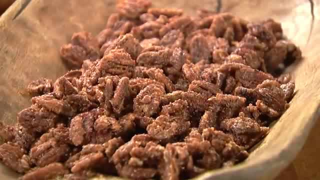 South Texas State Fair Cinnamon Roasted Pecans