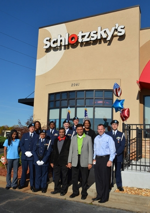 schlotzskys-veterans-day-beaumont-tx